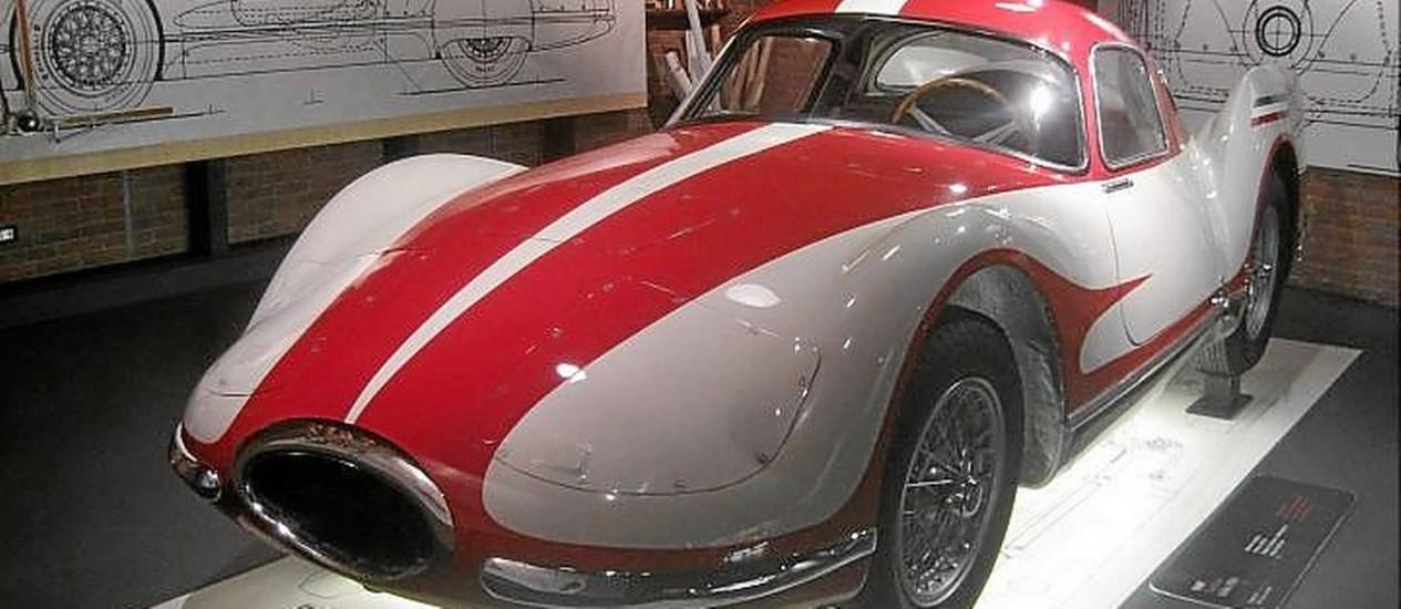 Um dos modelos históricos em exposição no Museo Nazionale dell'Automobile di Torino Foto: Henrique Koifman/Especial para O Globo