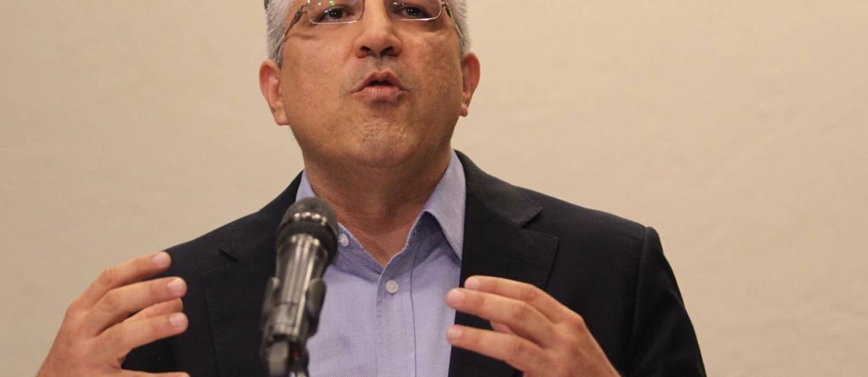 O ministro Alexandre Padilha mostrou-se indignado com informação de que possui ligações com doleiro Foto: Fernando Donasci / Agência O Globo