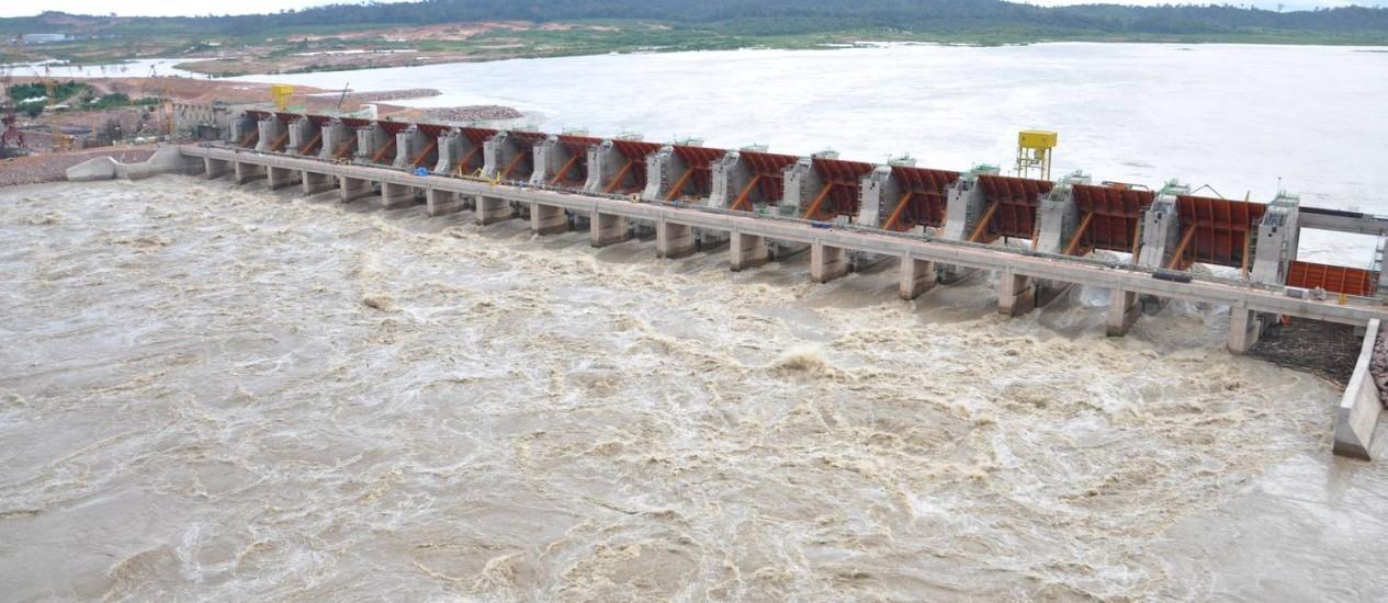Obras da usina hidrelétrica de Jirau, no Rio Madeira, sem reservatório: consumo de energia, a longo prazo, deve ficar cara para consumidores Foto: Divulgação/10-08-2012