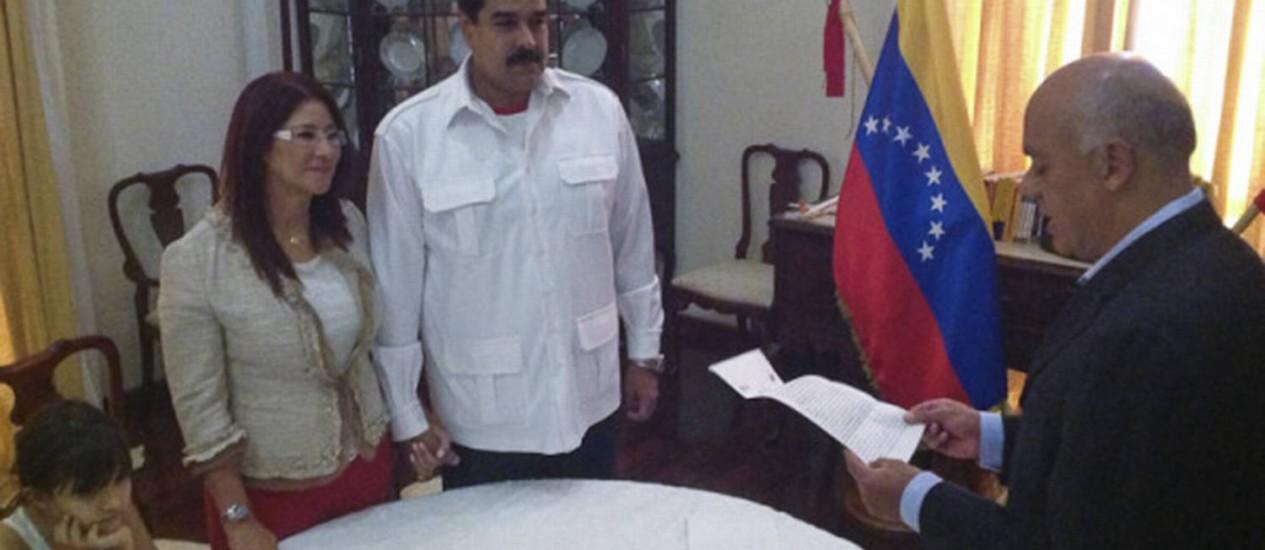 Cilia e Maduro. Mulher do presidente se intitula a 'primeira combatente' da Venezuela Foto: HANDOUT / REUTERS/15-7-2013