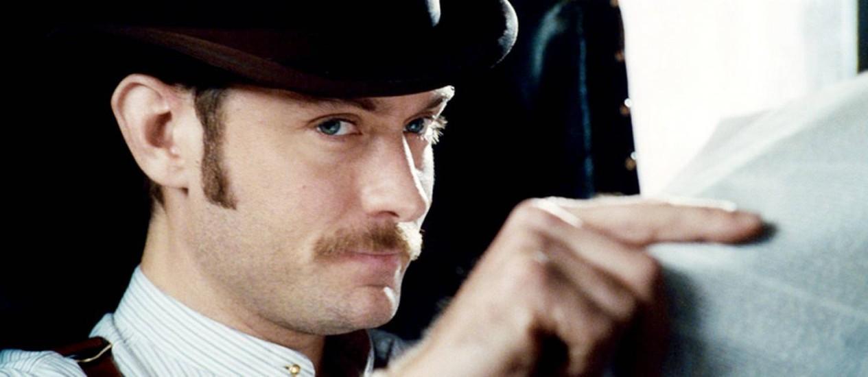 Jude Law como Dr. Watson em 'Sherlock Holmes: O Jogo de Sombras' Foto: Divulgação