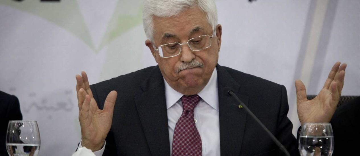 Mahmoud Abbas durante a reunião do Conselho Central Palestino, em Ramallah. Presidente afirma que governo de unidade continuará reconhecendo o Estado de Israel Foto: Majdi Mohammed / AP