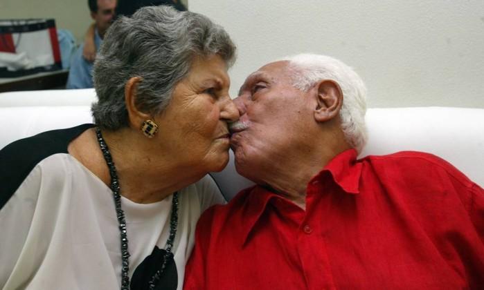 Dorival e Stella no Canecão em foto de 2004 Foto: Marcos Ramos / Agência O Globo