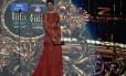 Deepika Padukone ganhou o prêmio de melhor atriz na 15ª edição do International Indian Film Academy (IIFA), realizada em Tampa, Florida