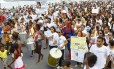 Cerca de 300 pessoas participaram, na tarde deste domingo, da manifestação