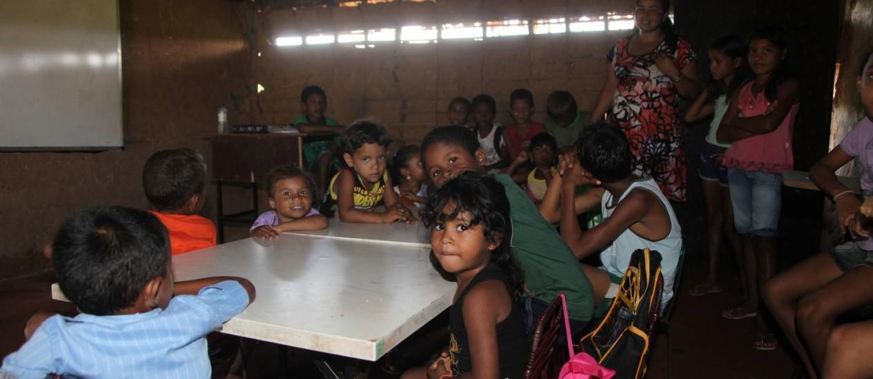 Má infraestrutura nas escolas. Sala de aula sem luz elétrica na Escola Municipal Nossa Senhora da Conceição em Miguel Alves (PI). Foto: / Foto Efrém Ribeiro