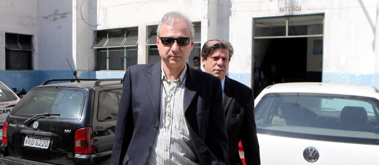 Salim após depor na DH Foto: Guilherme Pinto / Agência O Globo (02/09/2013)