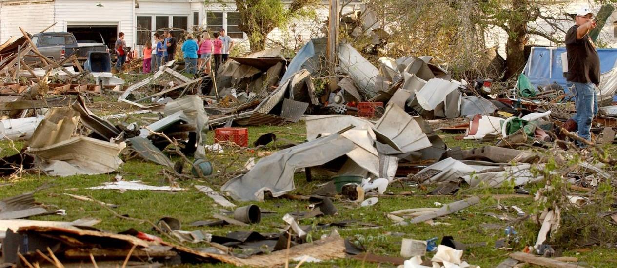 O tornado que atingiu o povoado de Quapaw destruiu casas Foto: Gary Crow / AP