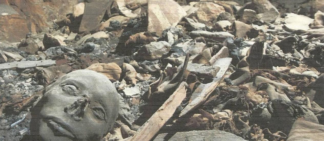 Múmias, inclusive de recém-nascidos, em tumba no Vale dos Reis Foto: Egyptian Supreme Council of Antiquities/ Reuters