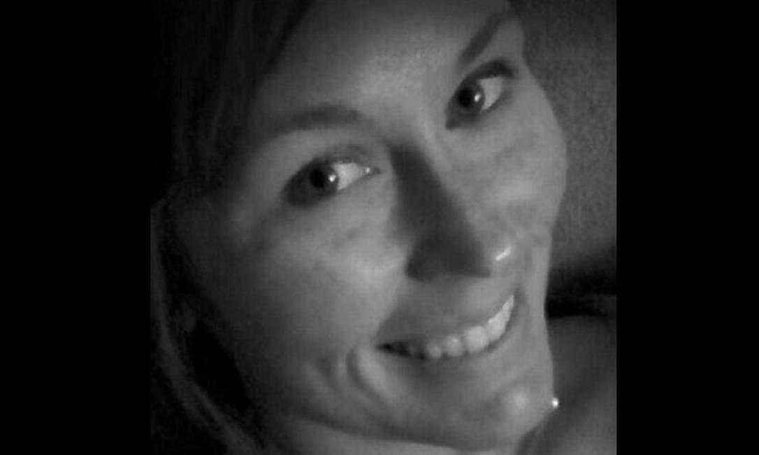 Courtney Ann Sanford: ela atualizou seu perfil no Facebook enquanto dirigia, um minuto antes de atravessar a pista e bater em um caminhão Foto: / Reprodução do Facebook