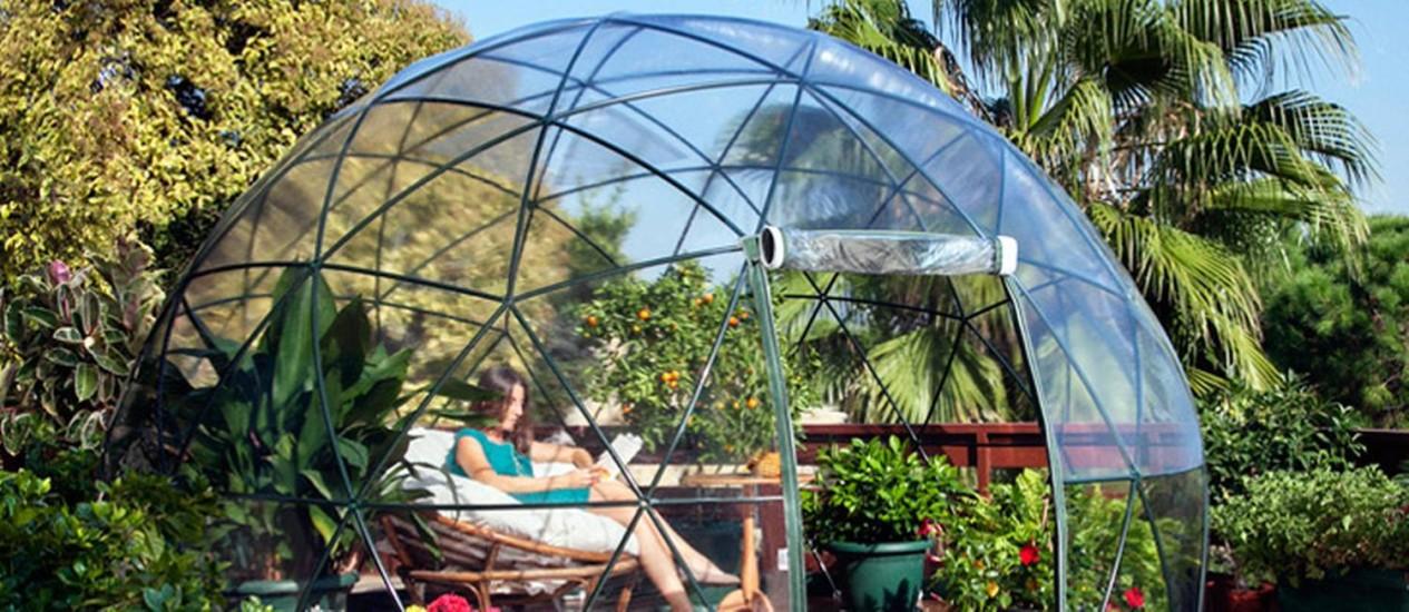Estrutura de metal e plástico em formato de iglu Foto: Reprodução da internet