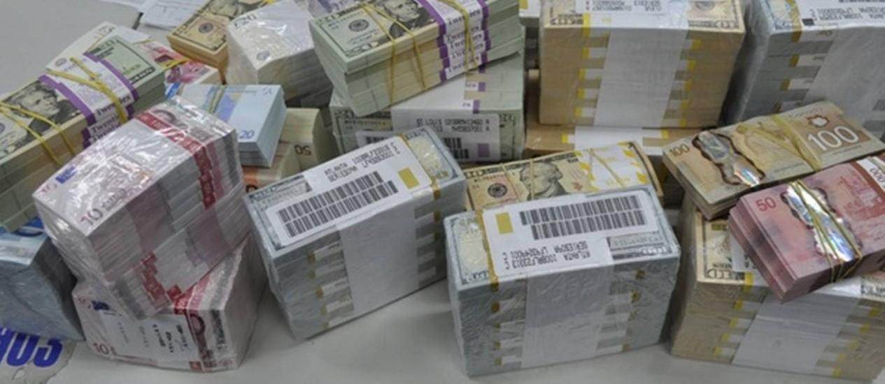 Polícia Federal apreendeu dinheiro na casa de um dos doleiros presos Foto: Divulgação/Polícia Federal