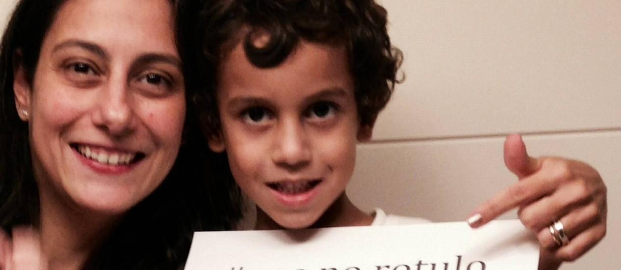 Patrícia Capella com o filho, Francisco: mais clareza nos rótulos Foto: Arquivo pessoal