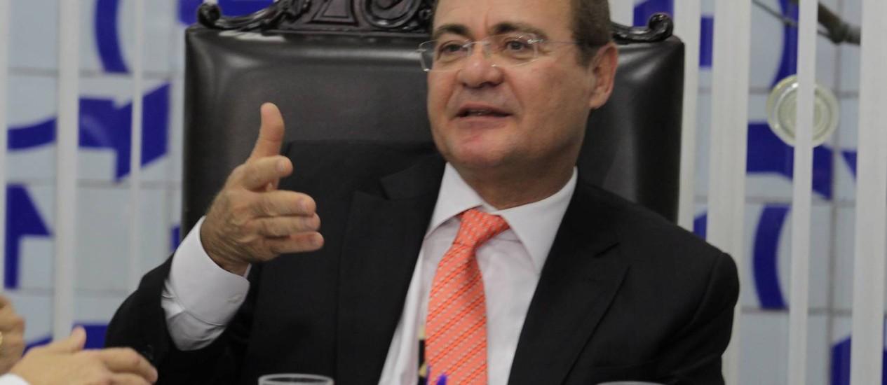 Renan pede indicações de integrantes para CPI da Petrobras para iniciar trabalhos em 6 de maio Foto: Ailton de Freitas / O Globo