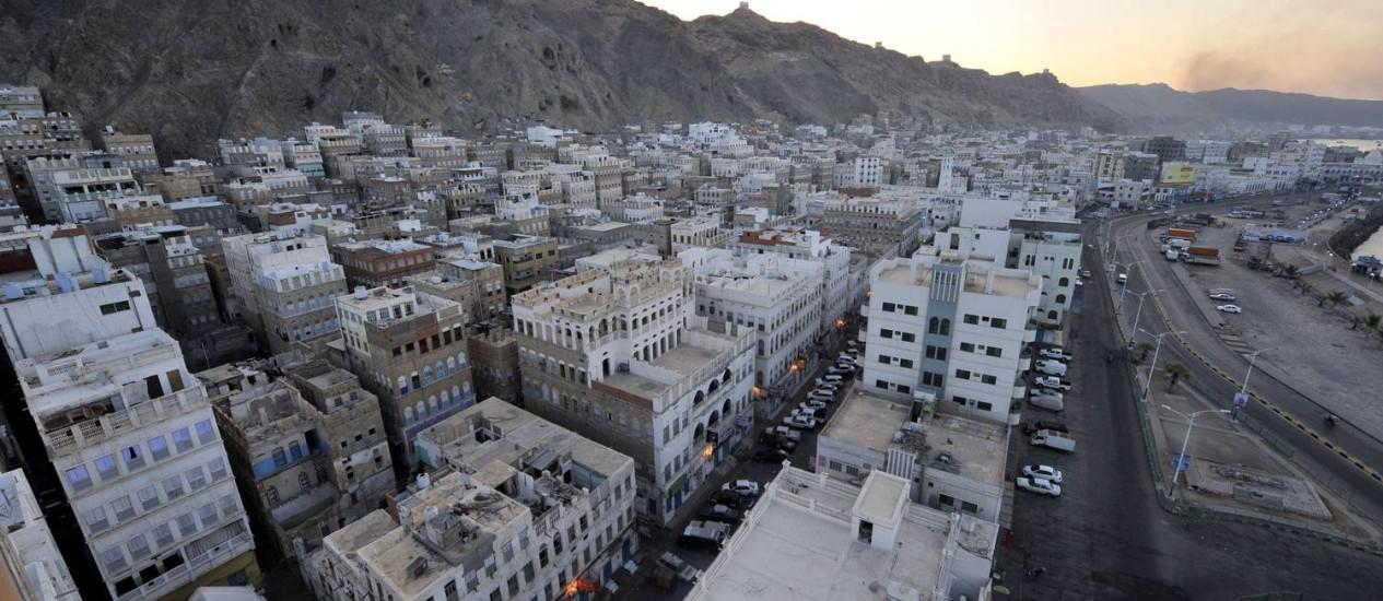 A cidade de Mukalla, onde um ataque contra al-Qaeda deixou 18 mortos Foto: Fawaz Al-Haidari/AFP