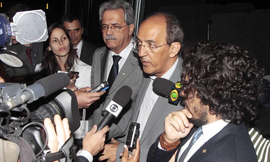 Deputados afirmam que encontraram o ex-ministro assistindo ao jogo entre Real Madrid e Bayer em TV de plasma Foto: Jorge William / O Globo