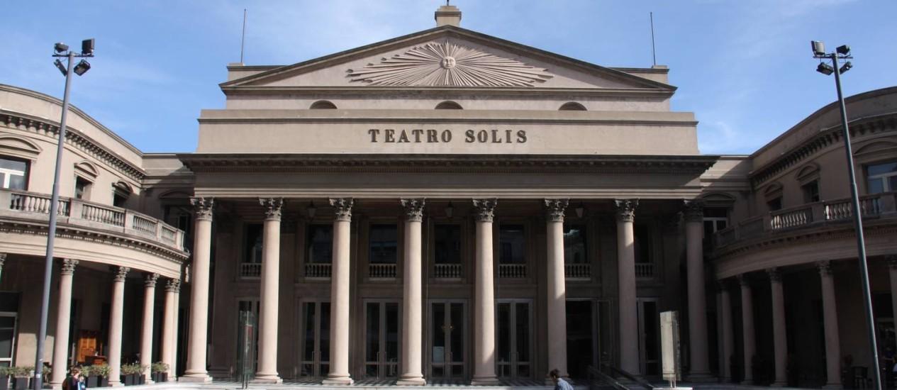 O Teatro Solis, símbolo de Montevidéu Foto: Bruno Agostini / O Globo