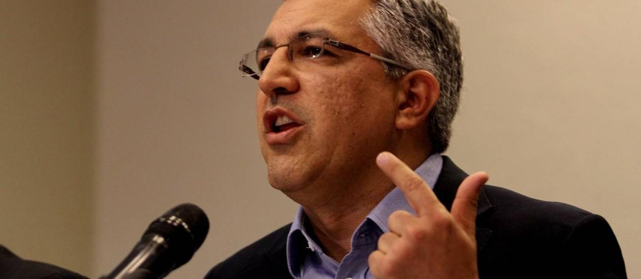 Ex-ministro, candidato ao governo de SP, nega ter indicado executivo Foto: Fernando Donasci / Fernando Donasci/25-4-2014