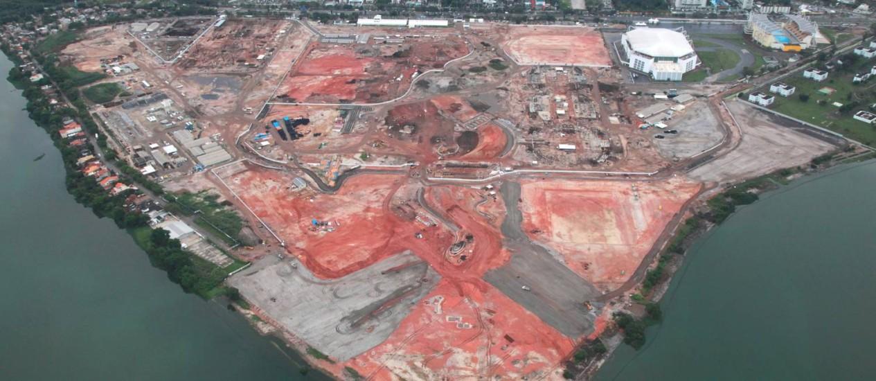Andamento das obras de instalações dos Jogos de 2016, como o Parque Olímpico da Barra, é alvo de críticas do vice-presidente do Comitê Olímpico Internacional Foto: Genilson Araújo / Parceiro