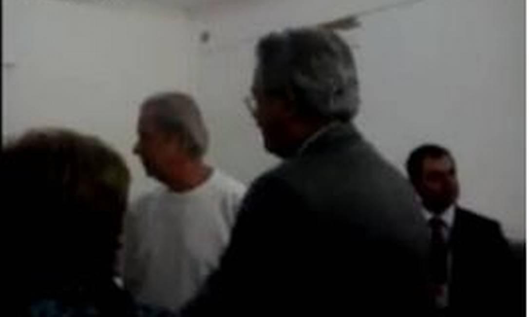 Imagem do vídeo em que Dirceu aparece reclamando do regime fechado Foto: / Reprodução