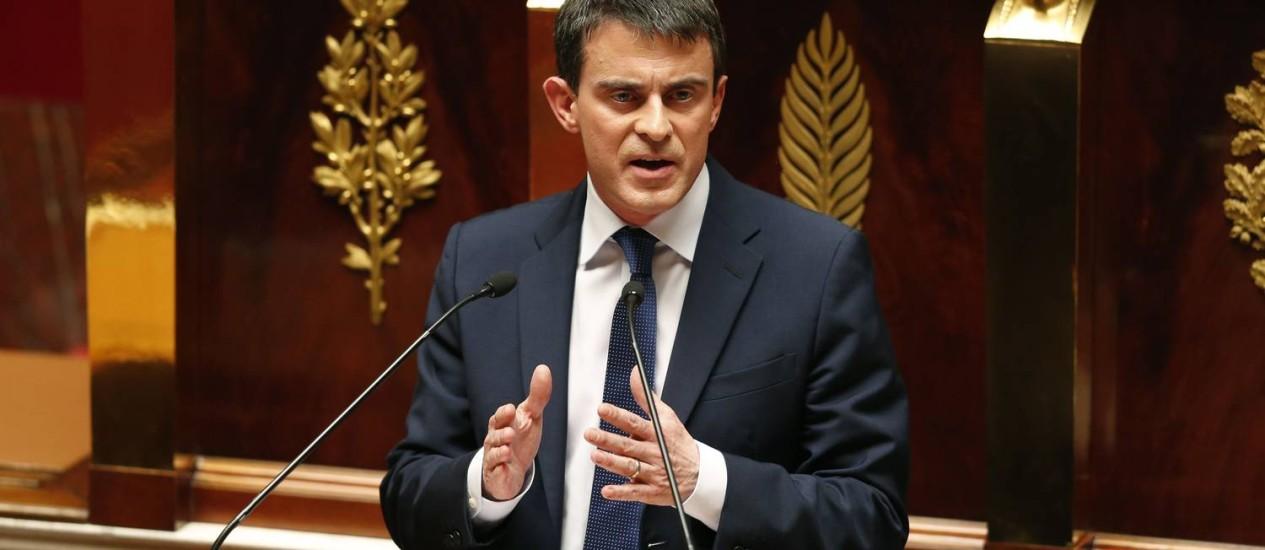 Em seu discurso, o primeiro ministro Manuel Valls pediu aos parlamentares que confiem na proposta do governo Foto: CHARLES PLATIAU / Reuters