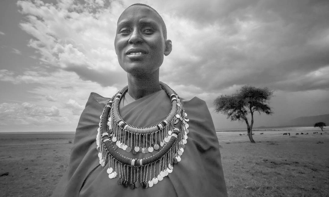O baiano Robério Braga apresenta no MIS a série de 20 imagens 'Luz negra', na qual retrata a cultura de tribos do Quênia e da Tanzânia Foto: Robério Braga / Divulgação