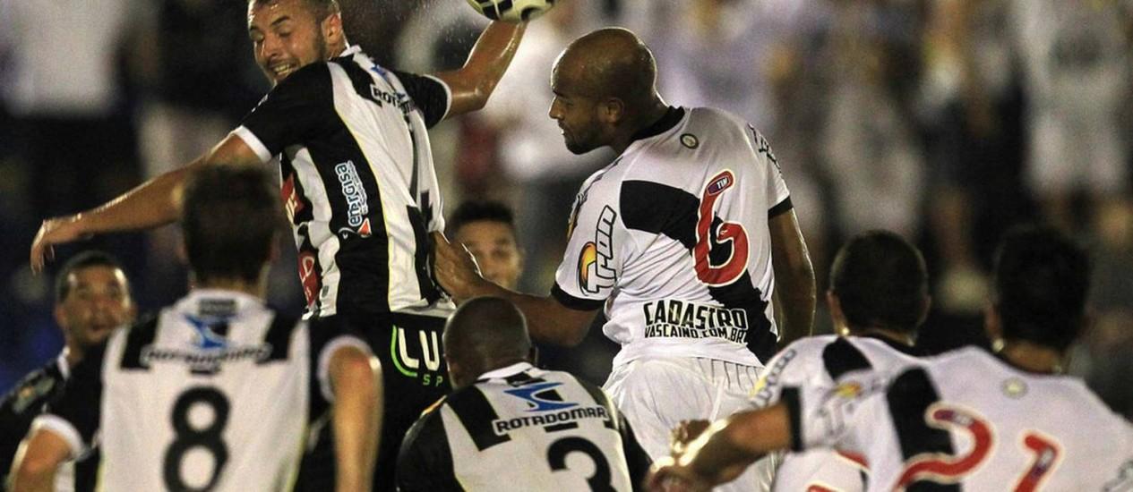 Vasco virou diante do Treze: 2 a 1 Foto: Foto Marcelo SAdio/Divulgação/ Vasco / Divulgação