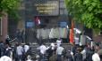 Separatistas tomam sede de administração regional em Donetsk, na Ucrânia