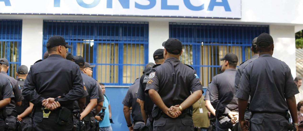 Os policiais militares durante cerimônia de inauguração da Companhia Destacada do Fonseca Foto: Felipe Hanower / Agência O Globo