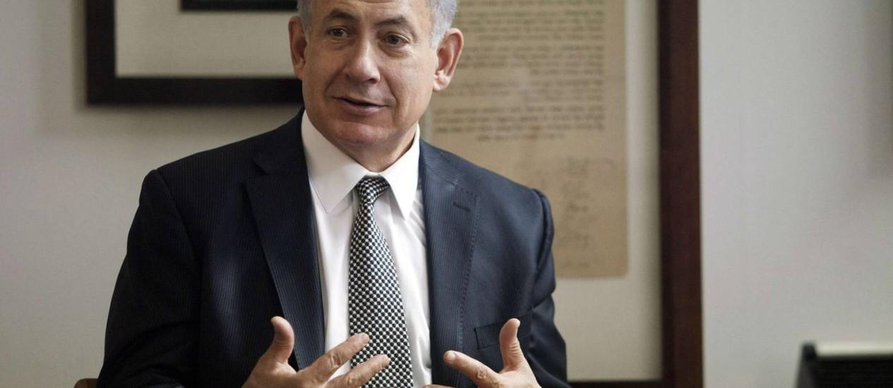 Primeiro-ministro israelense, Benjamin Netanyahu discursa em conferência de imprensa em Tel Aviv Foto: POOL / REUTERS