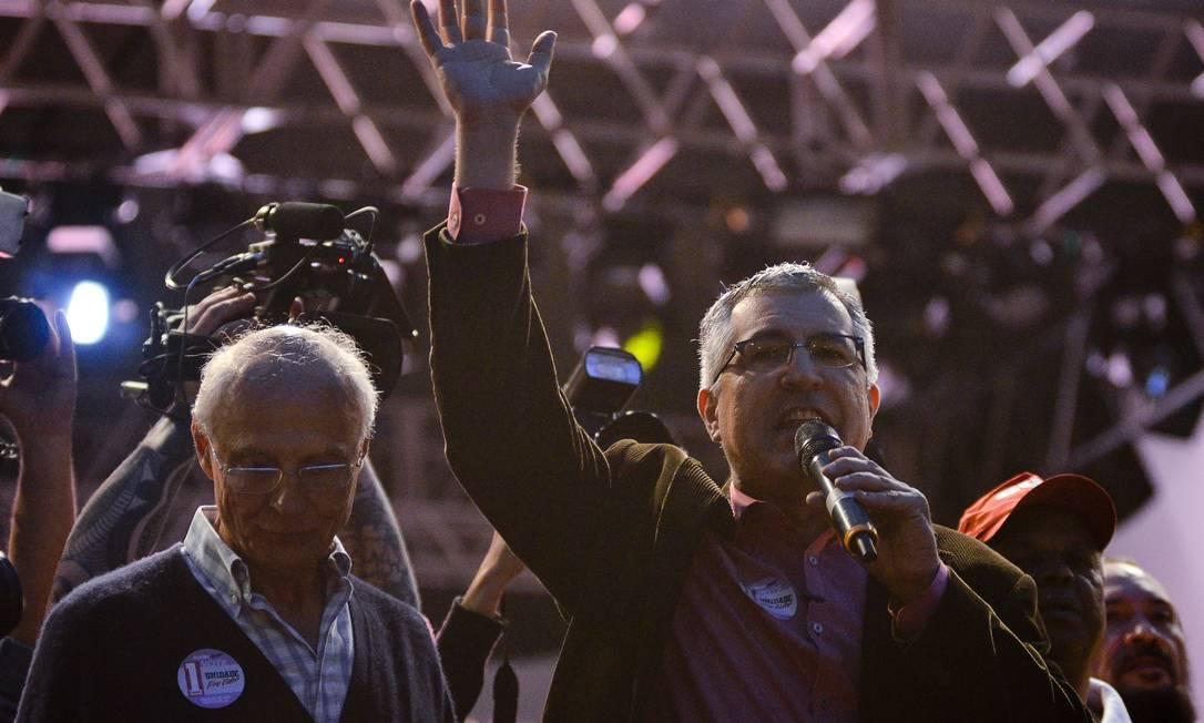 Com medo de vaias, Alexandre Padilha não discursou no evento da CUT do Dia do Trabalhador Foto: / Agência Estado