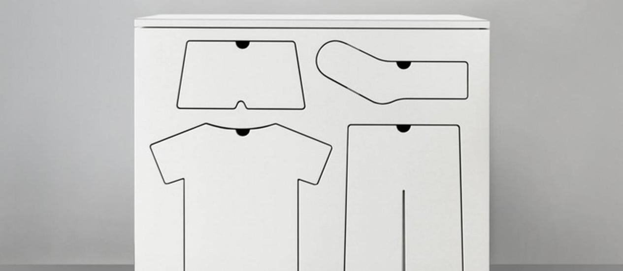 Cada gravura é, na verdade, uma gaveta com o formato da peça que deve ser guardada ali Foto: Reprodução da internet