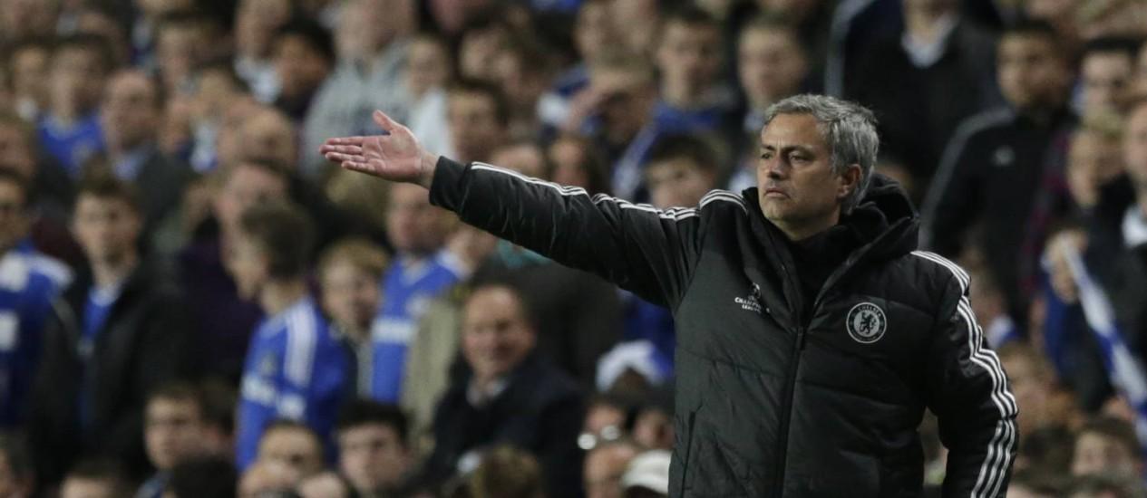 Mourinho disse que Hazard não está pronto para se sacrificar pelo time Foto: Matt Dunham / AP