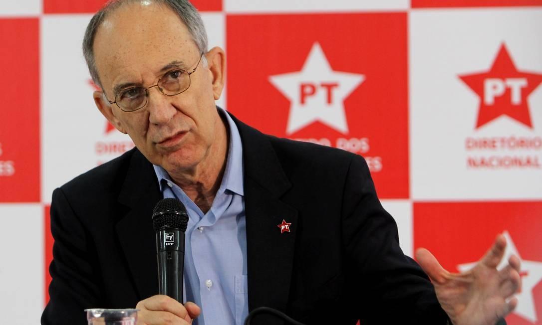O presidente nacional do PT, Rui Falcão Foto: Michel Filho/29-10-2012 / Agência O Globo
