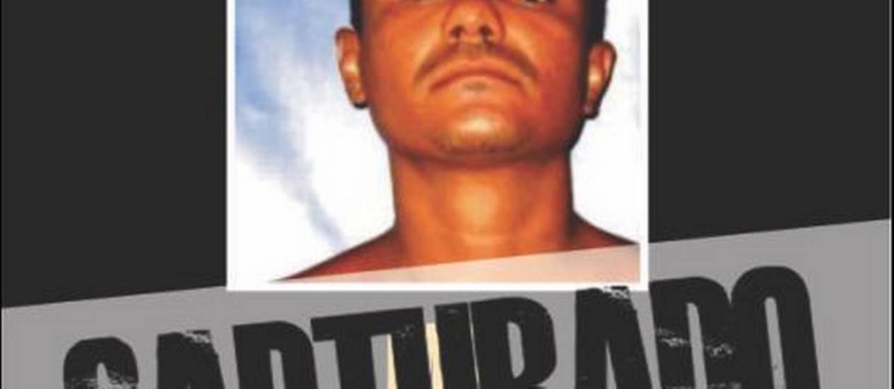 O traficante MB aparece em cartaz de 'capturado' Foto: Divulgação / Disque-Denúncia