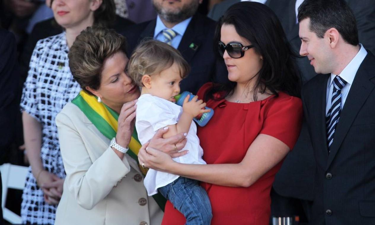 A presidente Dilma Rousseff, ao lado de sua filha Paula, de seu genro Rafael Covolo, e do neto Gabriel, durante o desfile de 7 de Setembro, em Brasília Foto: Gustavo Miranda / Agência O Globo