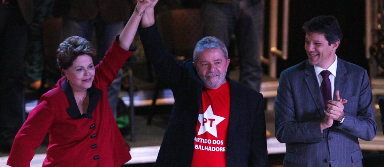 Dilma e Lula participam do 14° Encontro Nacional do PT, em São Paulo Foto: Michel Filho/ O Globo