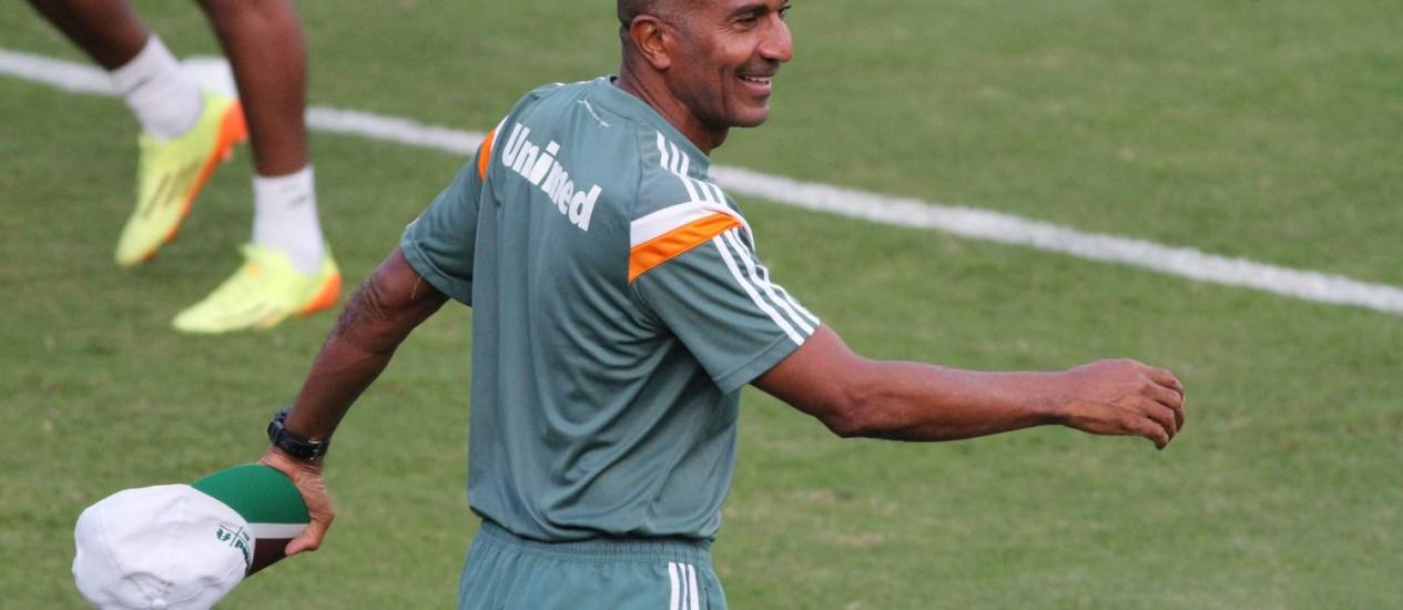 O técnico do Fluminense, Cristóvão Borges, durante treino Foto: Divulgação / Photocâmera
