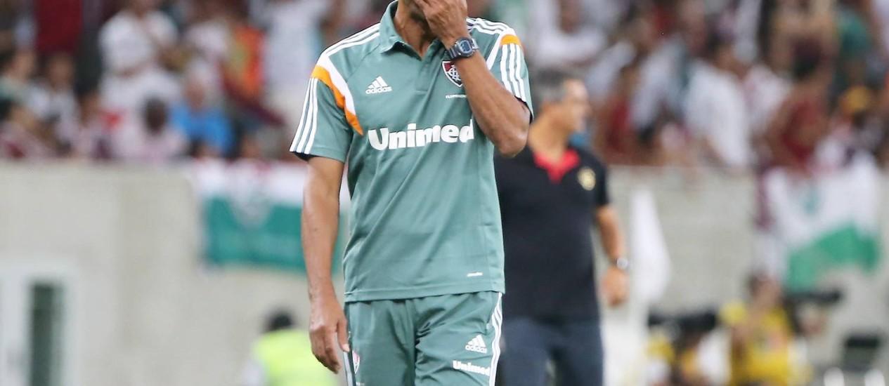 Cristóvão Borges não escondeu a frustração com a derrota tricolor Foto: Guilherme Pinto / Extra