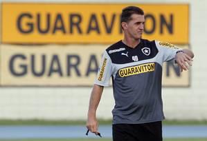 Vágner Mancini não terá vários titulares contra o Grêmio Foto: Gustavo Miranda / O Globo