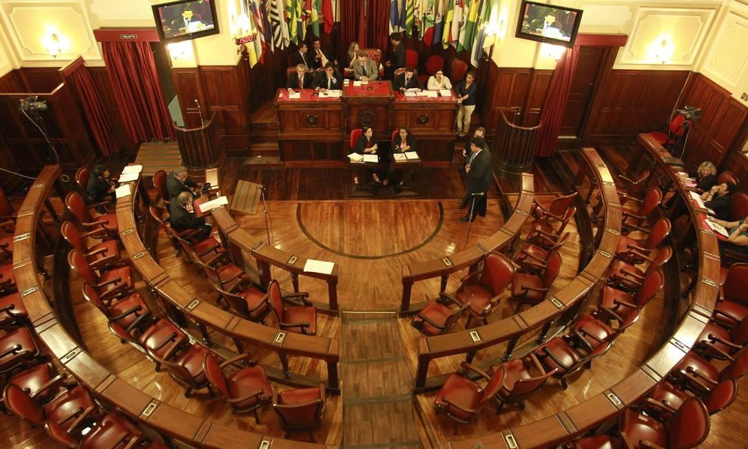Plenário da Câmara de Vereadores de Niterói Foto: Márcio Alves / Agência O Globo