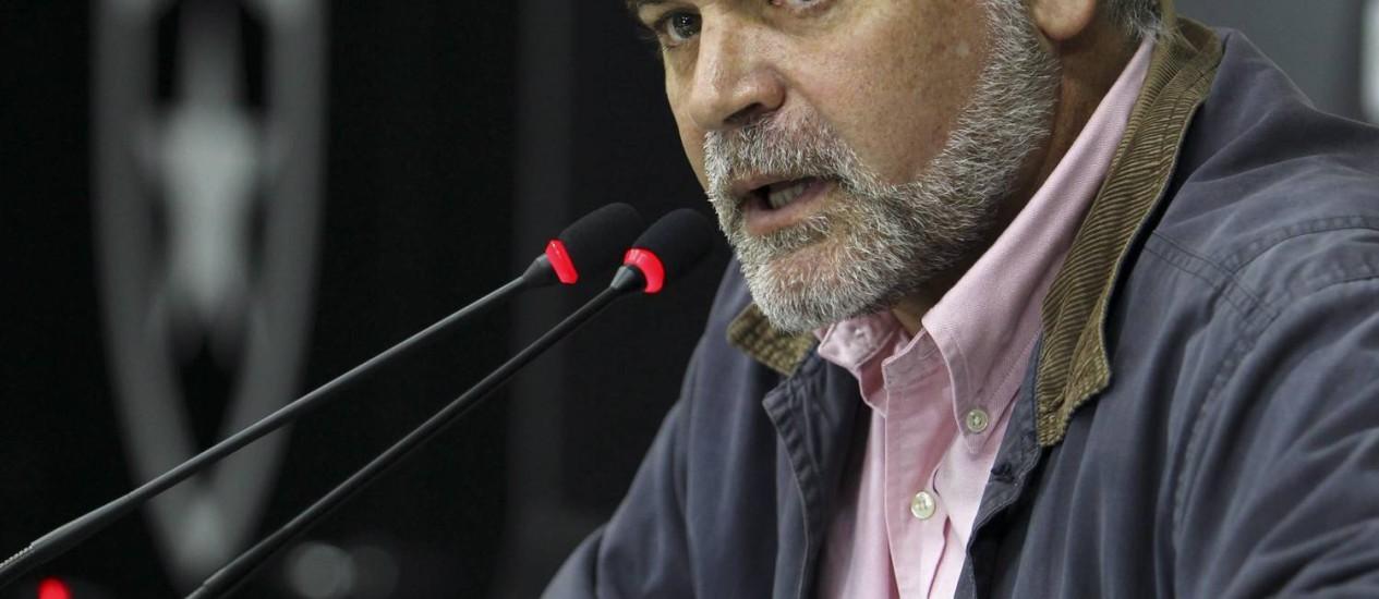 O presidente do Botafogo, Maurício Assumpção, enfrenta grave crise financeira no clube Foto: Alexandre Cassiano / Agência O Globo