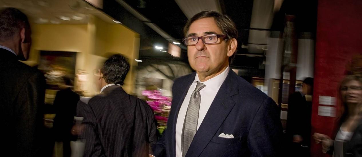 O colecionador de arte e magnata da imprensa Peter Brant, que está vendendo teças de Basquiat e Haring: ótimos negócios em vista Foto: Rob Bennett / NYT