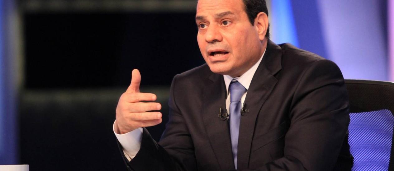 Sisi: general afirma em sua primeira entrevista à TV como candidato que Irmandade Muçulmana não voltará Foto: AFP