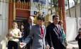 Senadores da Comissão de Direitos Humanos do Senado deixam a Delegacia no Leblon, após encontro com o caseiro acusado de matar Paulo Malhães