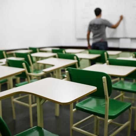 Elevar a quantidade de docentes com licenciatura é uma das metas do PNE Foto: Guito Moreto / Agência O Globo