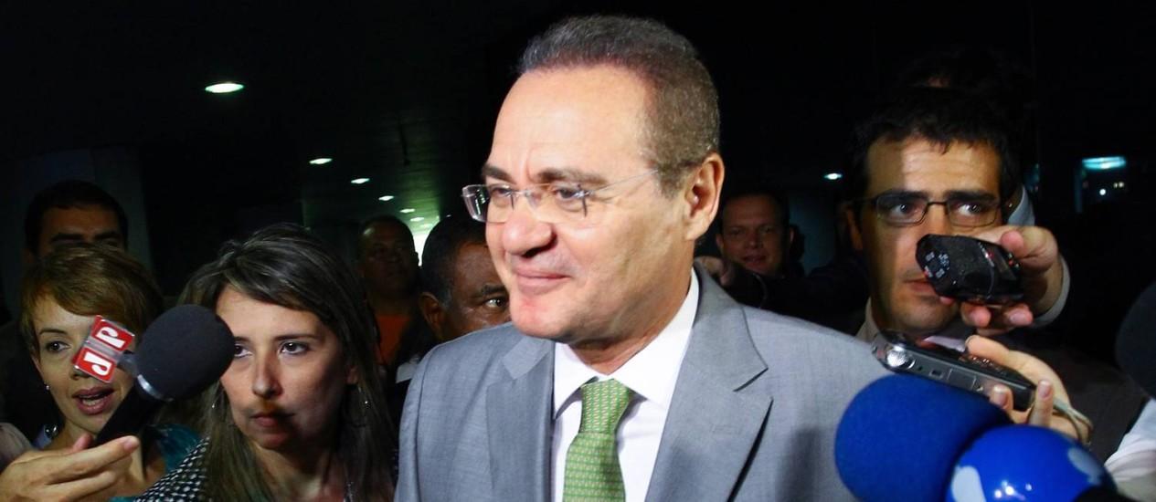 O presidente do Senado, Renan Calheiros Foto: André Coelho/ O Globo