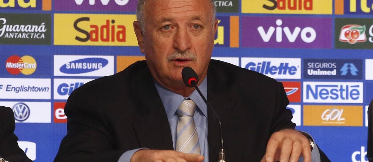O tecnico Luiz Felipe Scolari no anúncio dos 23 convocados para a Copa do Mundo Foto: Ivo Gonzalez / Agência O Globo