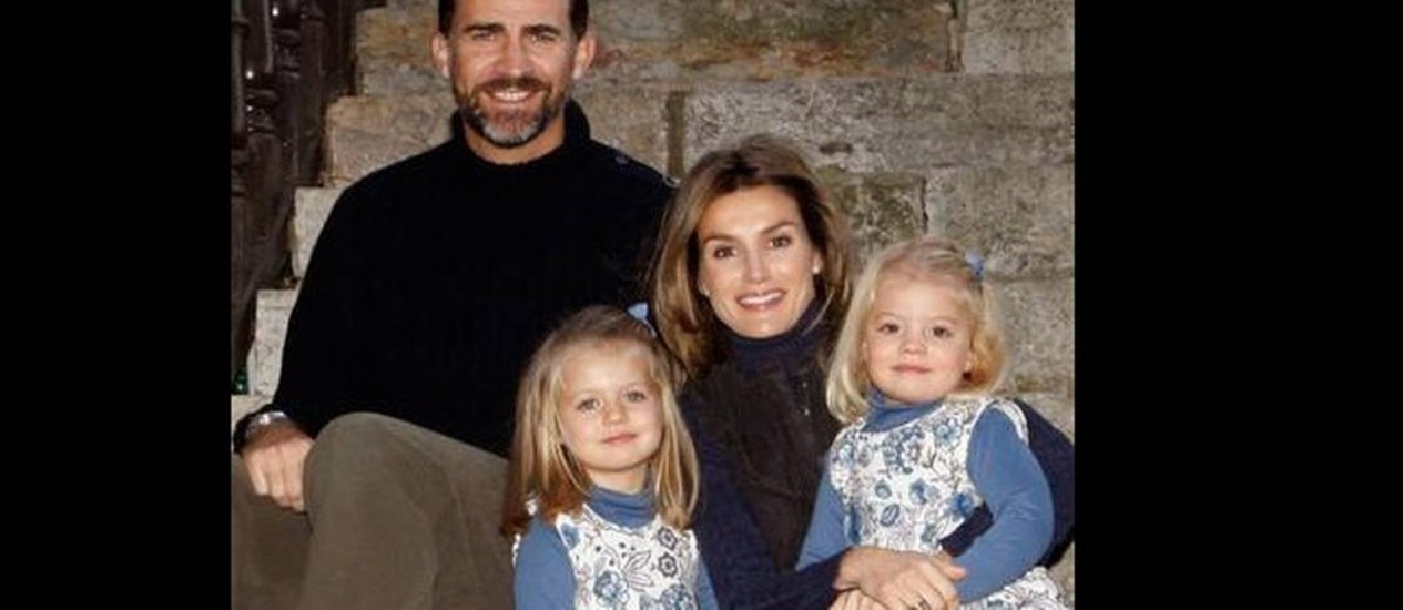 Felipe, Letizia e as duas filhas: caminho turbulento rumo ao trono espanhol Foto: Reuters/2009