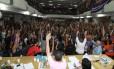 Assembleia dos professores no Clube Municipal: categoria marcou nova greve para o dia 12